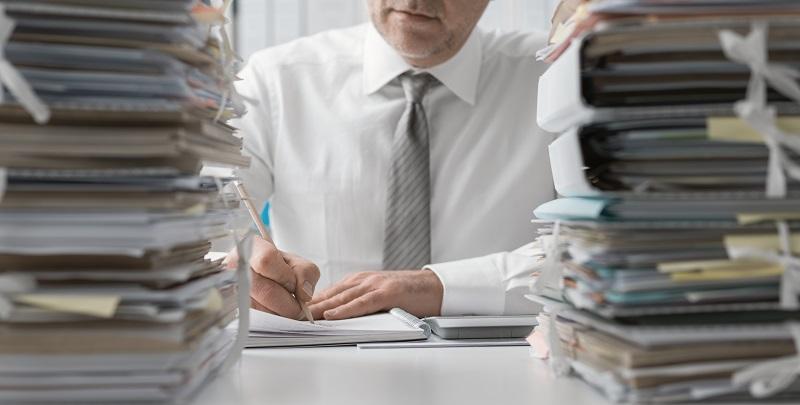 Nos encargamos de todo el papeleo y te ayudamos con los contratos de compraventa